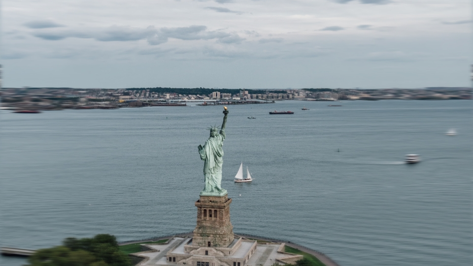 Statue of Liberty Helicopter